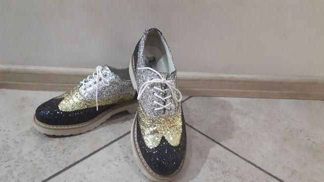 Класні туфлі туфельки