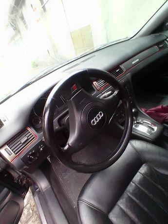 Carro Audi A6 caixa automática em bm estado