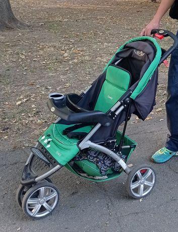 Прогулочная коляска geoby трёхколесная со съёмным столиком