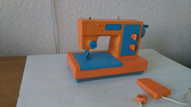 Машинка швейная детская б\у