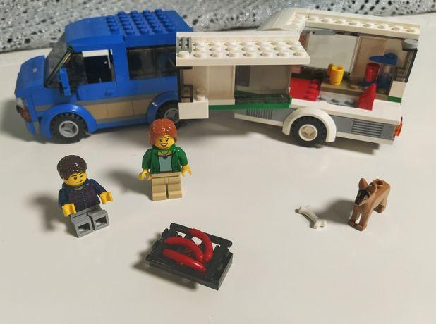 Lego City 60117 Van z przyczepą kempingową