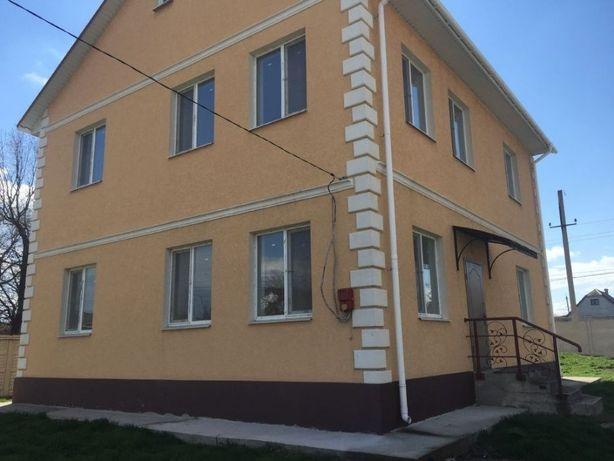 Продам в п.г.т. Новотроицкое Херсонской обл 2-х эт дом