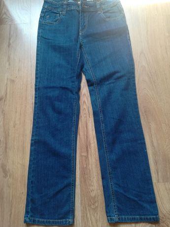 Sprzedam dziewczęce jeansy, stan bdb. Rozm. 152
