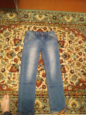 Майже нові літні джинси