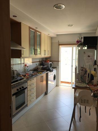 Vendo Apartamento T3 - Rio de Mouro