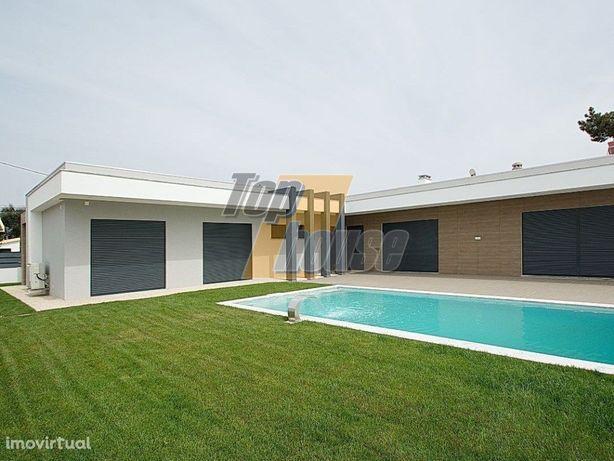 Moradia térrea isolada T4 nova arquitectura moderna com p...