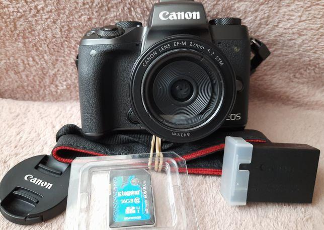 Canon EOS M5+объектив Canon 22mm EF-M 1:2 STM+адаптер Canon EF-EOS M