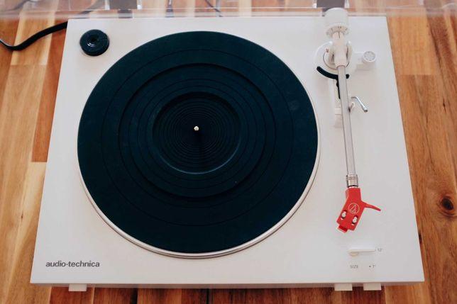 Gira-Disco Audio Technica AT-LP3 - Turntable