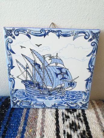 Azulejos Ceres com Caravelas Portuguesas
