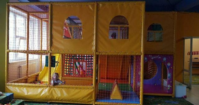 Дитячий лабіринт, атракціон, детский лабиринт.