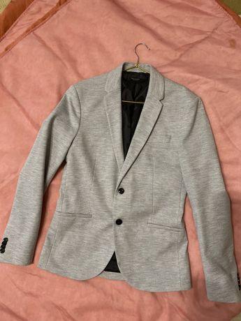 Пиджак ZARA размер XS- S серый очень классный