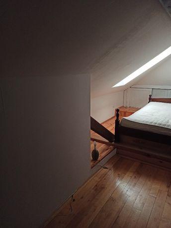Pokój do wynajęcia w piętrowym mieszkaniu Zamość