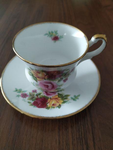 Royal Dover filiżanka angielska porcelana