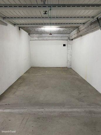 Garagem Fechada – Von Haff