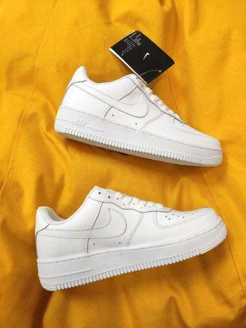 Женские весенние кеды Nike Air Force Low (White) демисезонная обувь