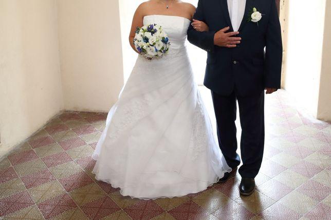 Suknia ślubna rozmiar 38- 42 plus gratisy