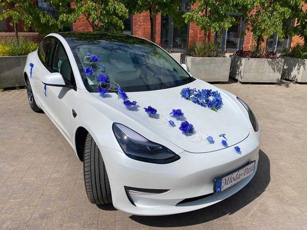 Elektryczna, szybka, wyjątkowa Tesla do ślubu