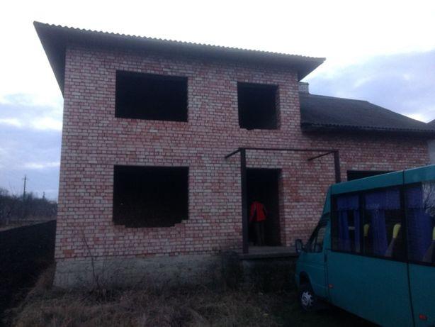 Земельна ділянка з житловим будинком