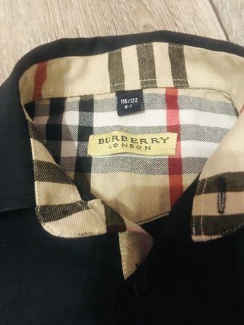 Рубашка на мальчика Burberry на 6-7 лет. 200 р.
