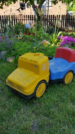 Samochód ogrodowy plastik