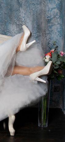 Туфли свадебные, каблук со стразами
