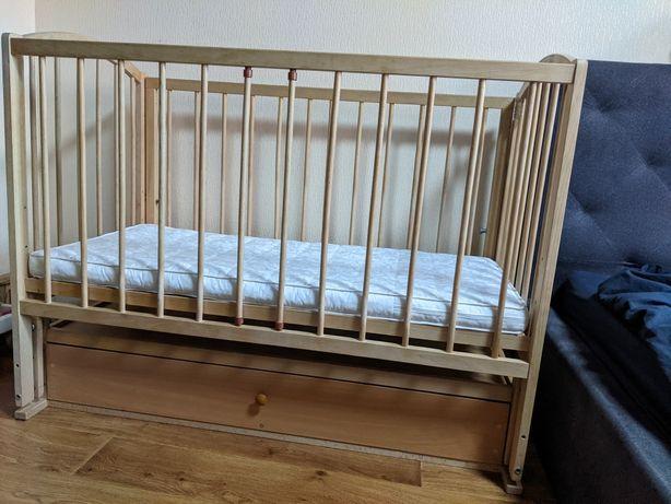 Кроватка с продольным маятником с ящиком (для 0-3 года)+ матрас 120х60