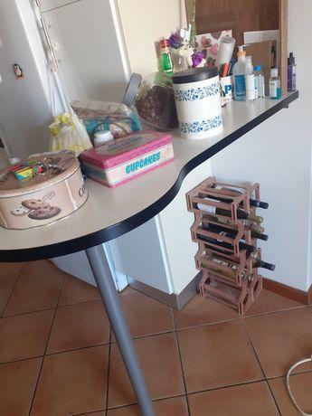 Mesa alta de cozinha