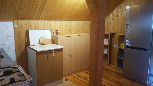 Wynajme  2  pokoje ze  wspólną   kuchnią i łazienką  w Cieplicach