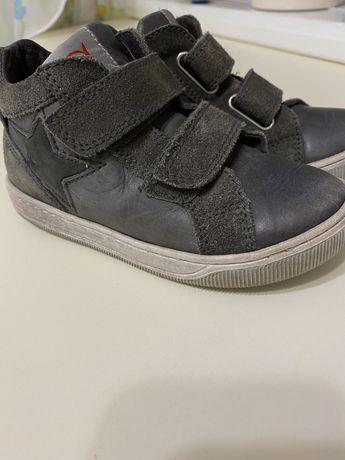 Детские кожаные ботинки. 27 размер.