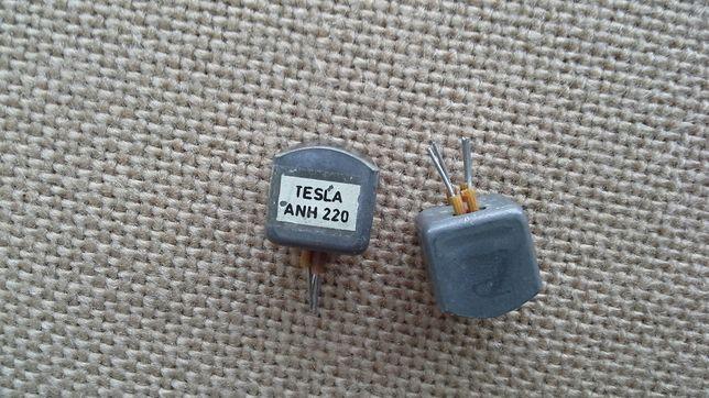 Tesla,stary magnetofon głowice.Również inne.