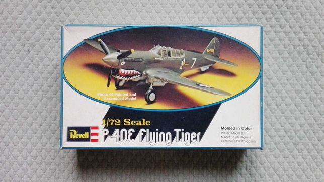 Revell P-40E Flying Tiger (kit de avião de 1978)