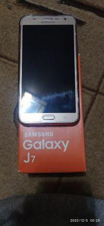Samsung J7 2017 состояние хорошее
