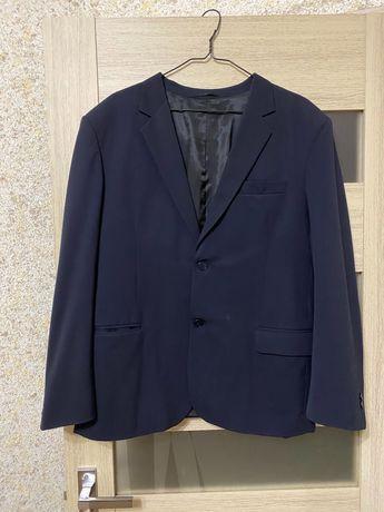 Мужской костюм (пиджак, жилет, брюки)