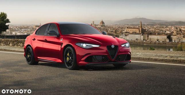 Alfa Romeo Giulia Quadrifoglio / Competitzione Red / Akrapovic / Carbon