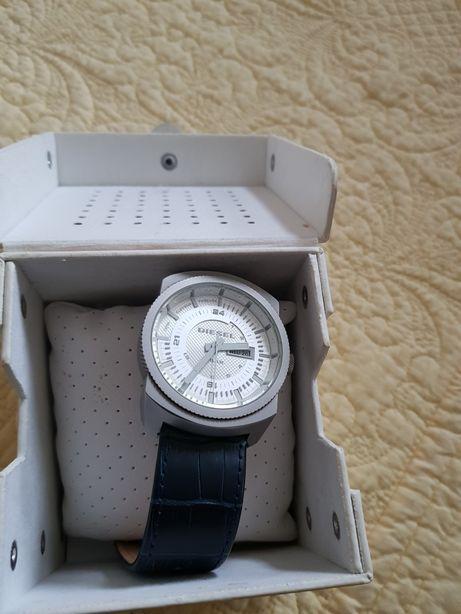 Diesel zegarek uniwersalny