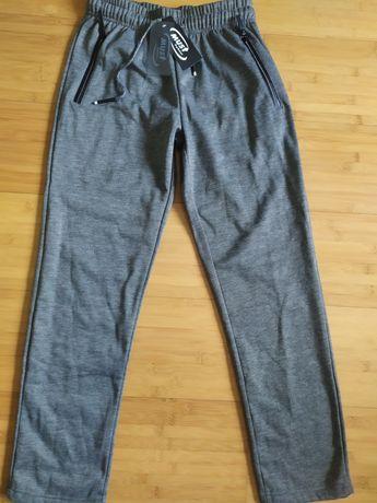 Продам штаны спортивные новые. Производства Польши, средней плотности.