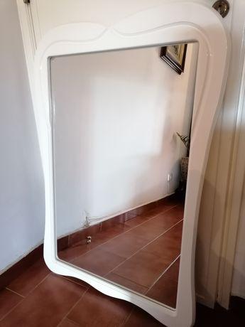 Espelho de parede de quarto