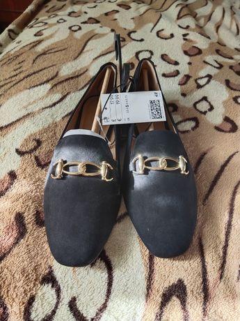 Новые туфли фирмы НМ