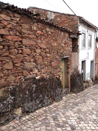 Casa em aldeia de xisto