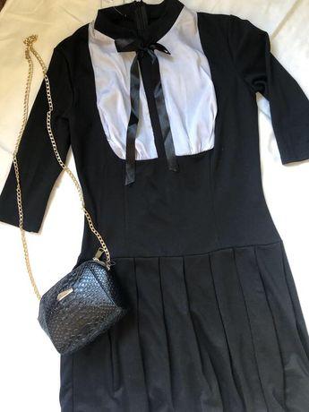 Платье женское новое черное белое в складки плиссе