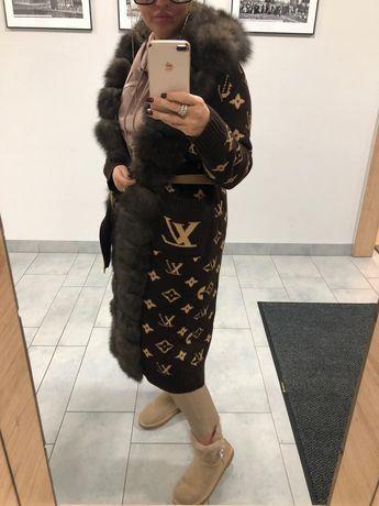 Płaszcz kardigan sweter długi LV monogram sobole futro norki lis gucci