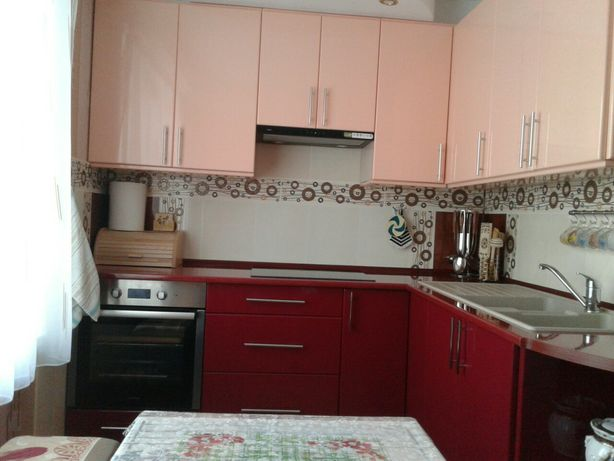 Продам квартиру в Новодністровську