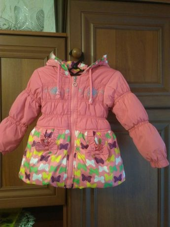 Демисезонная курточка на 2-3 года