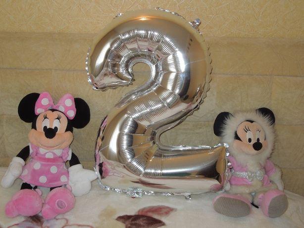 Воздушный шар - большая цифра 20,и 8-ка.