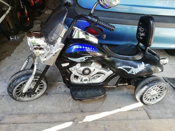 Motor akumulatorowy dla dziecka