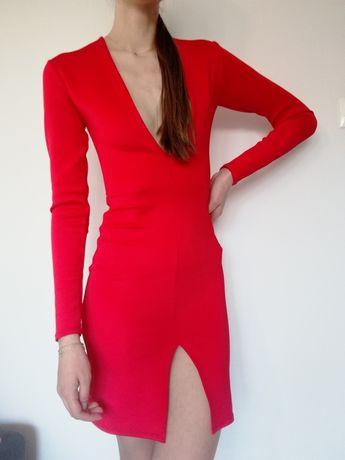 Czerwona seksowna sukienka głęboki dekolt XS