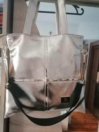 Nowa złota metaliczna torebka firmy Laura Biaggi