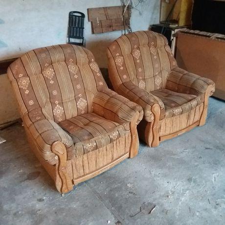 Sprzedam 2 fotele w dobrym stanie 50 zl