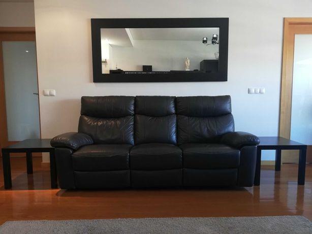Conjunto de sofá + poltrona individual extensíveis em pele