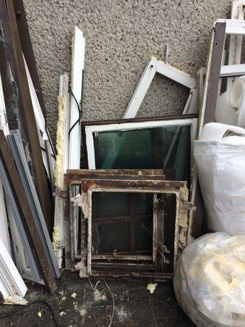 Okna drewniane z demontazu małe